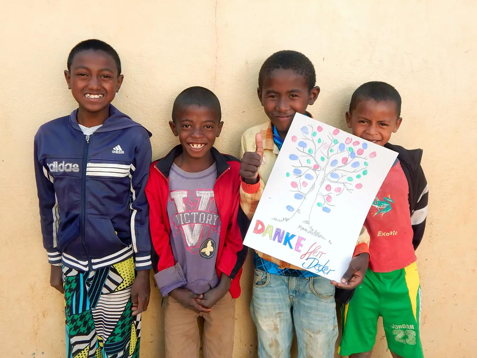 Kinder bei Zaza Faly